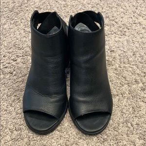 Steve Madden open toe booties